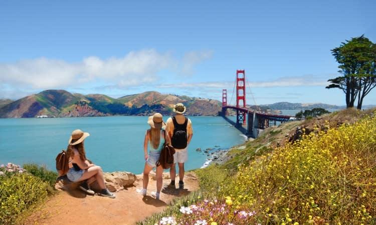 Tourists admiring San Francisco scenery