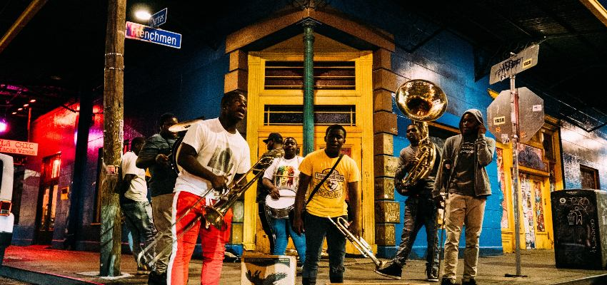 street musicians on frenchmen street in new orleans