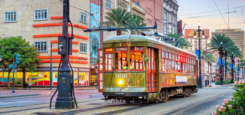 new orleans street car in the french quarter