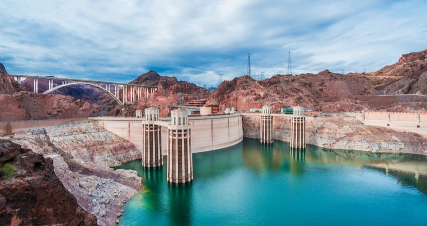 the hoover dam at lake mead in nevada