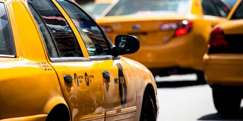 taxis in the streets of new york city