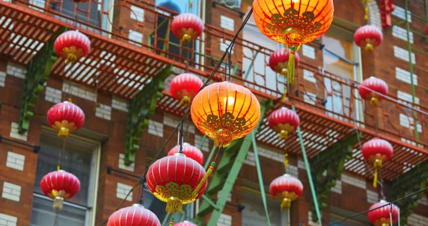 a string of Chinese lanterns in San Francisco Chinatown