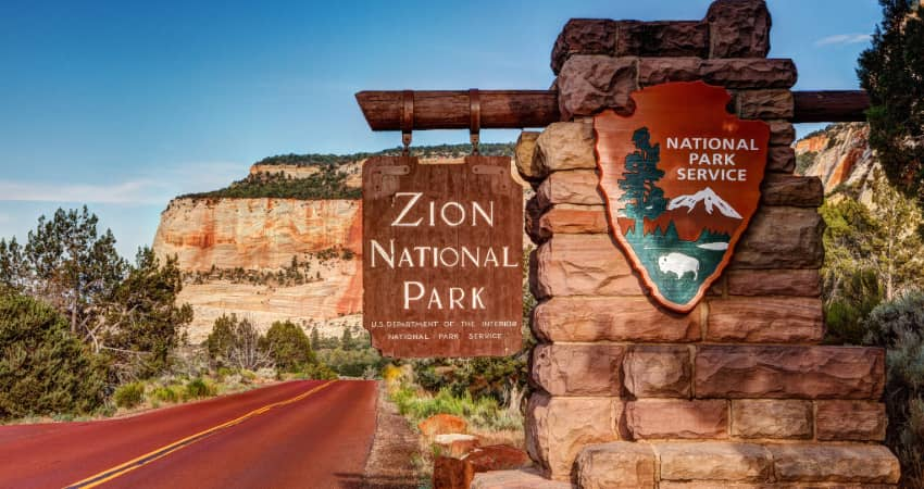 The sign at the entrance of Zion National Park