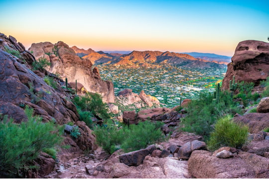 The rocky landscape and cliffs in Camelback Mountain