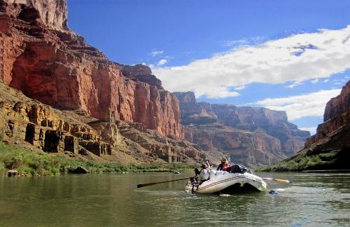 paddling-down-the-grand-canyon