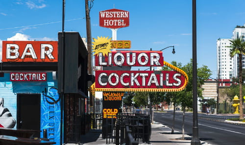 outside of atomic liquors las vegas