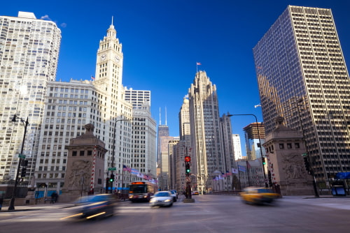 street view of Chicago's magnificent mile skyscrapers