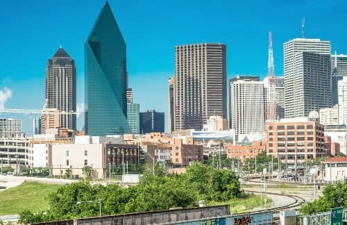 the Downtown Dallas skyline