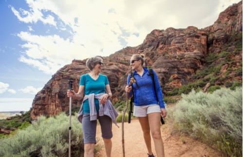 two women hiking at red rocks canyon las vegas